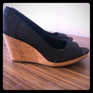 Toms peep toes wedge